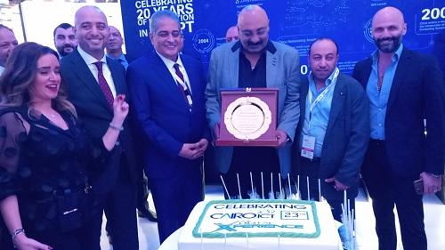 خاص وحصرى :  سيسكو تحتفل بـ CAIRO ICT وتكرم أسامة كمال  وفريق عمل المعرض بجناحها